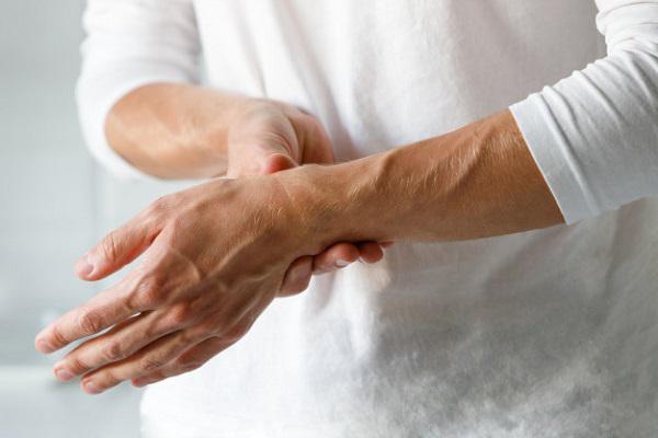 Viêm khớp bàn tay: Nguyên nhân và cách phòng tránh