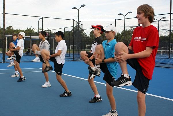 Khởi động là bước quan trọng trước khi chơi thể thao