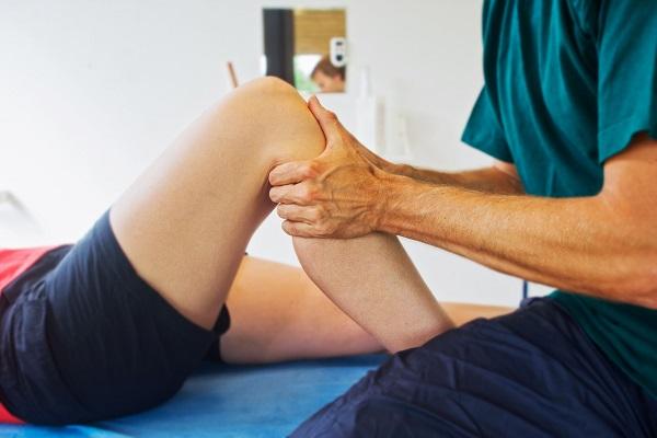 Các phương pháp điều trị thoái hóa khớp từ nhẹ đến nặng