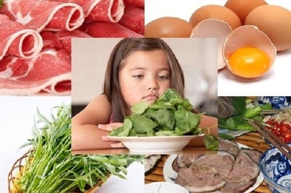 Luôn đảm bảo đủ chất trong bữa ăn hàng ngày của trẻ bị chân tay miệng