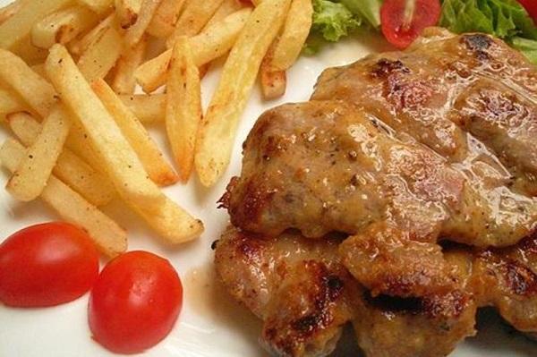 Tránh thức ăn đặc, các thực phẩm béo nhiều dầu mỡ