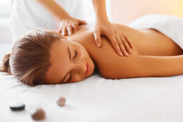 Massage giúp giảm nhẹ các triệu chứng của bệnh thần kinh.