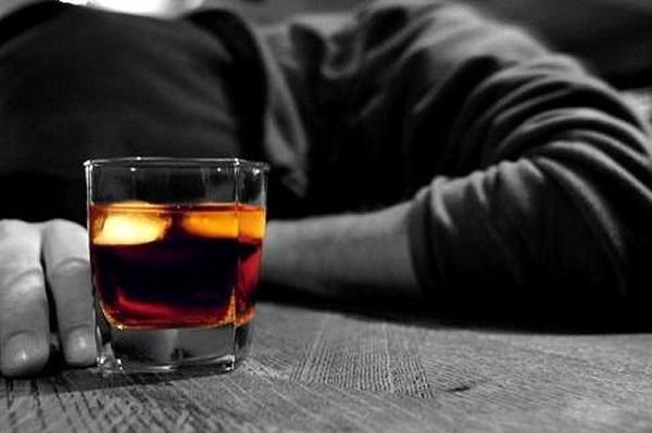 Đứng đầu danh sách gan nhiễm mỡ kiêng gì là rượu