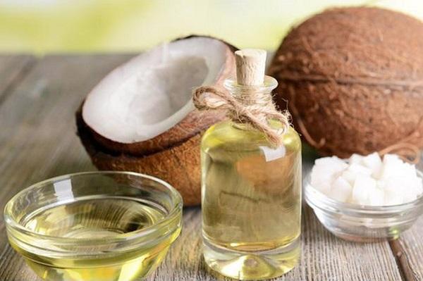 Dầu dừa có đặc tính kháng khuẩn tự nhiên, chống nấm và giữ ẩm