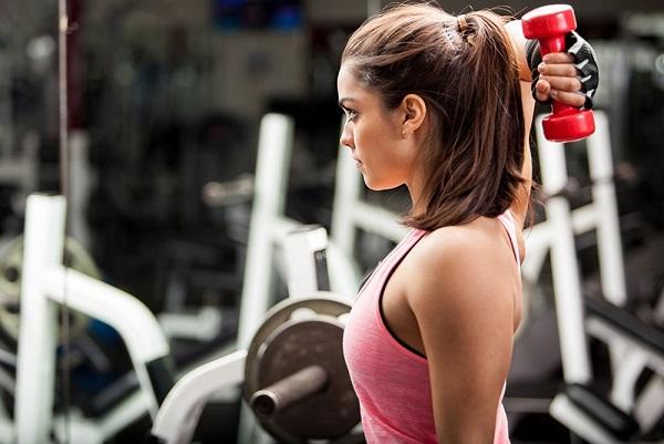 Tập thể dục thường xuyên là một trong những cách giúp tăng cân cấp tốc.
