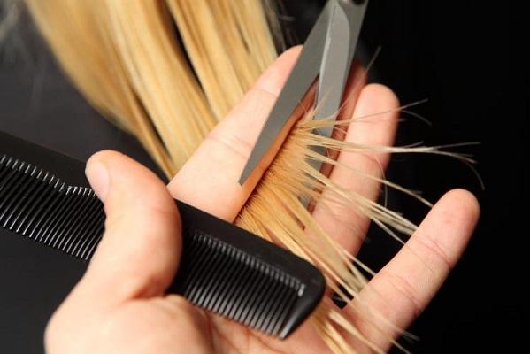 Tóc sau khi nhuộm cần được chăm sóc cẩn thận.