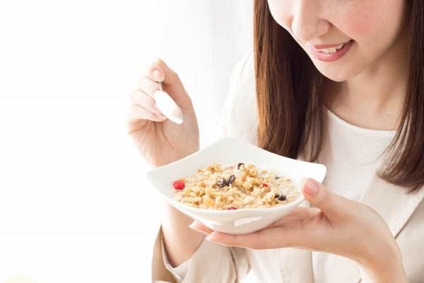 Ngũ cốc có chứa lượng đường bổ sung cao làm tăng mức chất béo trung tính