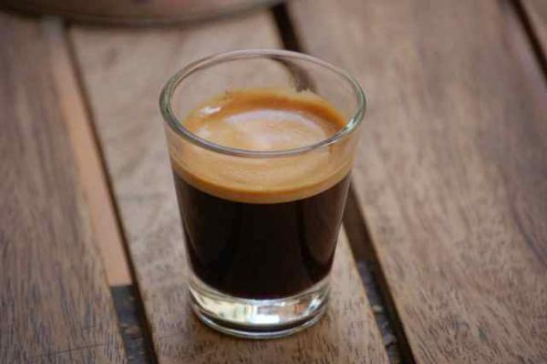 Cà phê là một trong những thức uống mẹ bầu cần tránh trong 3 tháng cuối