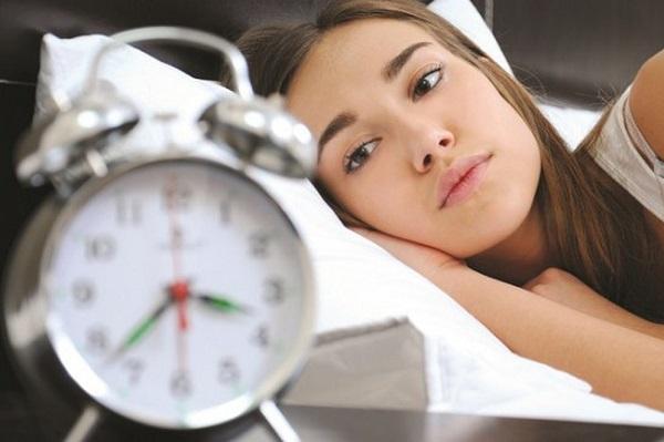 Bạn nên ngủ ít nhất 7-8 giờ mỗi đêm