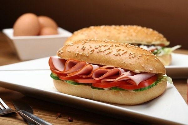 Người bị tăng huyết áp không nên ăn những loại thực phẩm chế biến sẵn