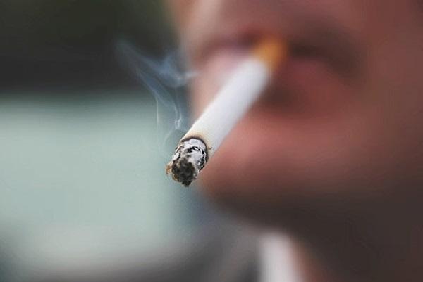 Hút thuốc lá làm tăng nguy cơ ung thư phổi và tăng nguy cơ ung thư cho các thành viên trong gia đình