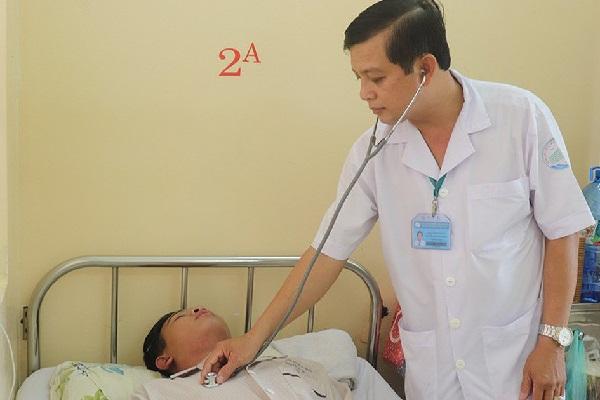Bệnh nhân điều trị sốt xuất huyết tại Bệnh viện Nhiệt đới (TP.HCM) - Ảnh: XUÂN MAI