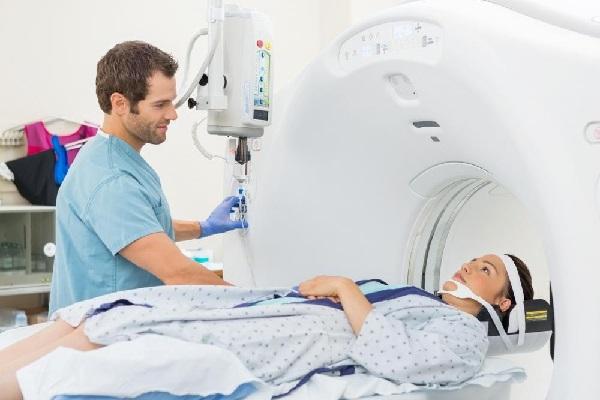 Hiện có 2 hướng đổi mới trong điều trị ung thư phổi: liệu pháp nhắm đích và liệu pháp miễn dịch