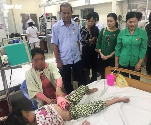 Điều trị sốt xuất huyết tại Bệnh viện Đa khoa Bình Dương - Ảnh: ĐÌNH TRỌNG