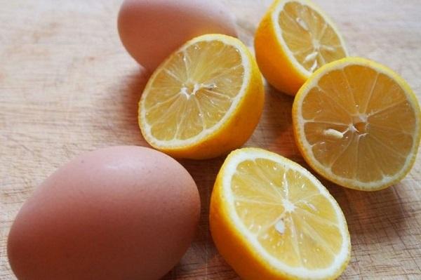 Trứng gà, nước chanh và mật ong là cách kiểm soát dầu thừa hiệu quả