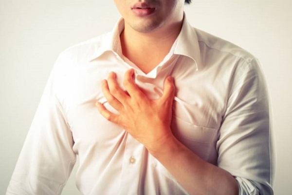 Ợ nóng là triệu chứng phổ biến hàng đầu
