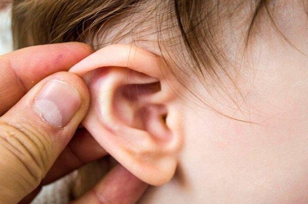 Viêm tai giữa xảy ra trong quá trình nhiễm khuẩn đường hô hấp trên