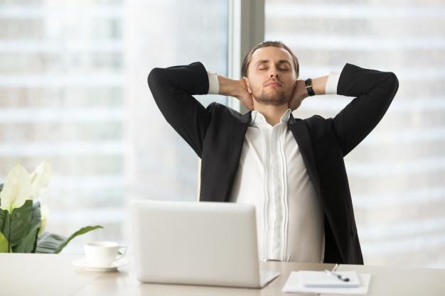 Hít thở sâu có thể xem như giải pháp tức thời giảm stress tại chỗ làm