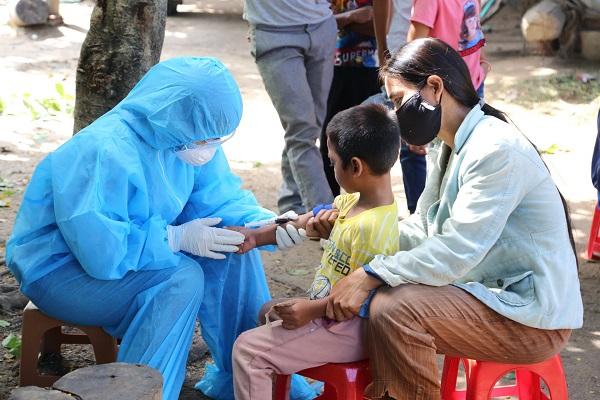 Điều trị dự phòng tại ổ dịch bạch hầu tại Đắk Lắk