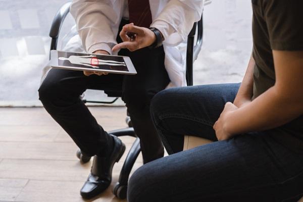 Bất thường về tinht rùng hay tinh dịch chính là nguyên nhân phổ biến gây vô sinh ở nam giới