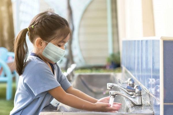 Rửa tay thường xuyên với xà phòng góp phần giảm nguy cơ mắc bệnh