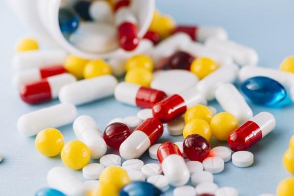 Các loại thuốc khi lạm dụng cũng có thể gây hại lên sức khỏe của gan