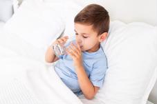 Những triệu chứng ba mẹ nên cho trẻ ở nhà dưỡng bệnh