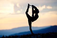 Ngạc nhiên trước 5 lợi ích của yoga đối với chuyện ấy