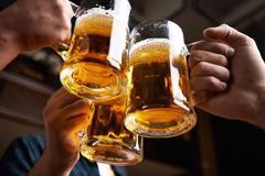 Nên làm gì khi bị dị ứng bia?