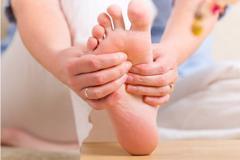 Tê chân, chuột rút về chiều – Đừng bỏ qua bệnh lý này