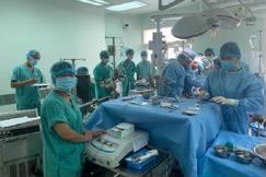 Ghép thành công tim, gan cho hai bệnh nhân