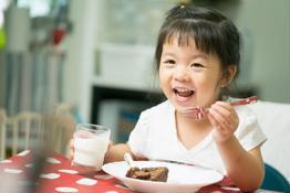 4 nhóm thực phẩm quan trọng cần bổ sung cho trẻ suy dinh dưỡng