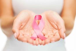Các triệu chứng ung thư vú thường bị chị em phớt lờ