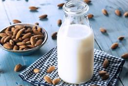 Cách làm 4 loại sữa tăng cân cho người gầy