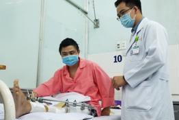 Dùng Titanium in 3D trám lỗ hỗng 11cm ở xương cho bệnh nhân ung thư