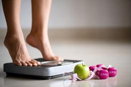 Cách ăn uống tránh tăng cân dịp Tết