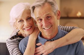 """Trục trặc"" khi quan hệ ở tuổi mãn kinh, làm sao?"