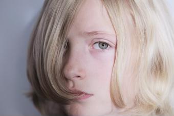 Trầm cảm ở trẻ em: Bố mẹ nên làm gì?
