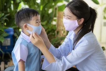 Xử trí khi học sinh sốt, ho, khó thở tại trường