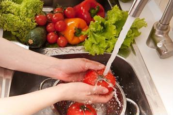 Phòng tránh ngộ độc thực phẩm dịp tết nguyên đán