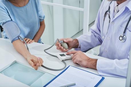 Nguyên nhân của tăng huyết áp áo choàng trắng - chỉ bị cao huyết áp khi gặp bác sĩ